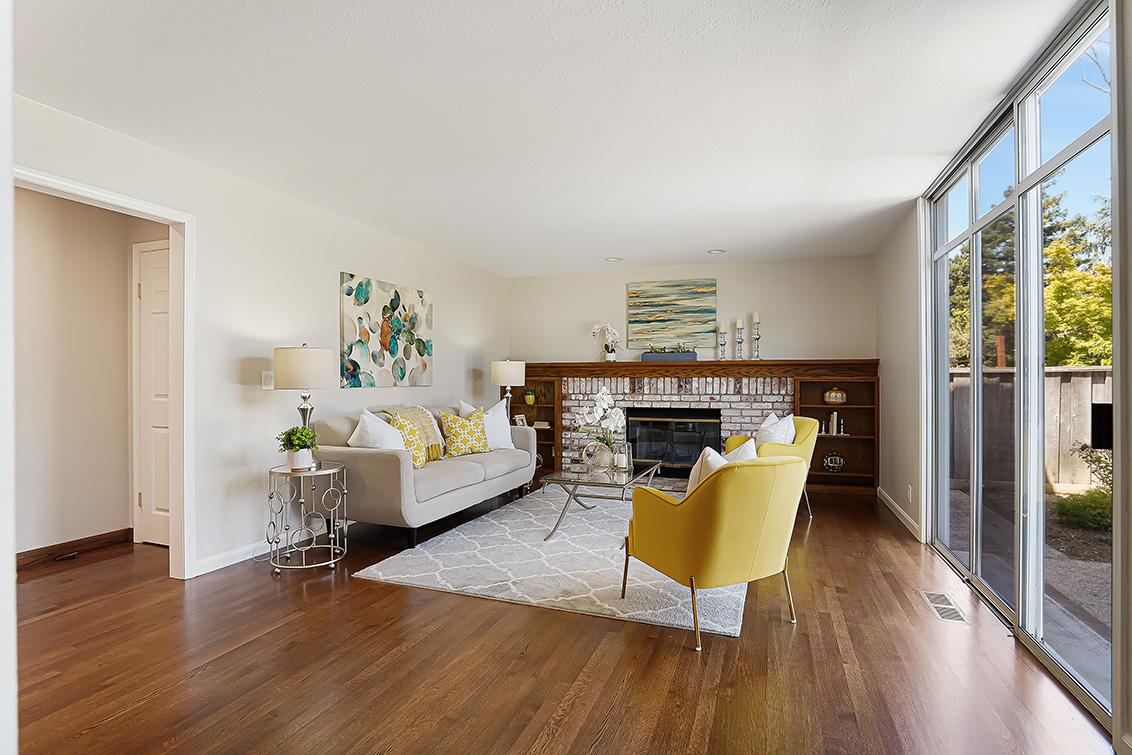 Family Room (B) - 112 Sleeper Ave