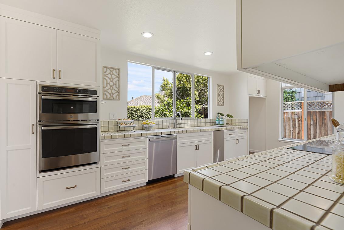 Kitchen (A) - 112 Sleeper Ave