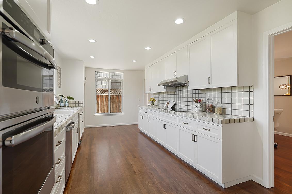 Kitchen (C) - 112 Sleeper Ave