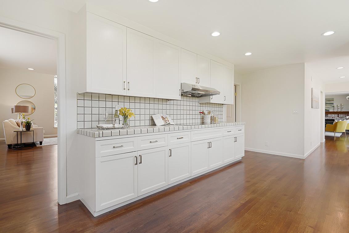 Kitchen (H) - 112 Sleeper Ave