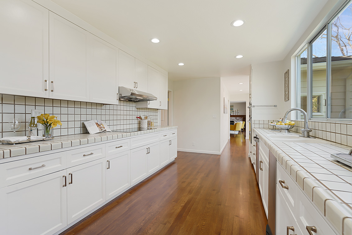 Kitchen (I) - 112 Sleeper Ave