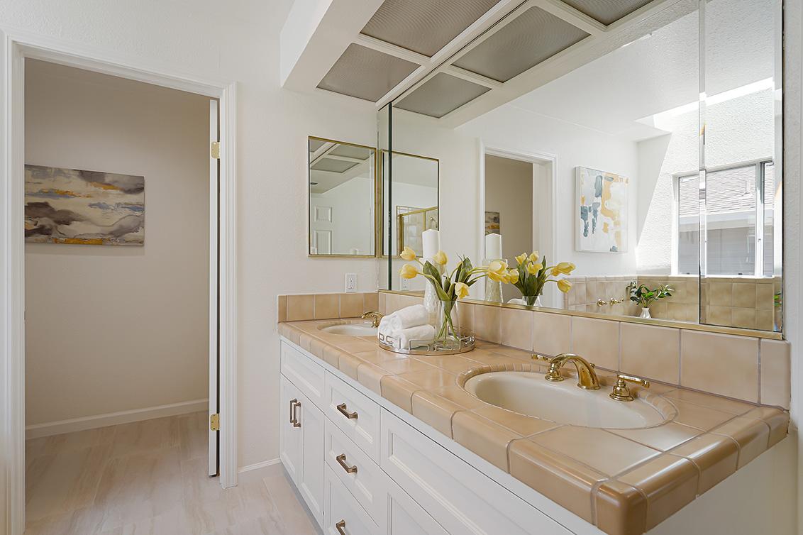 Master Bath (A) - 112 Sleeper Ave