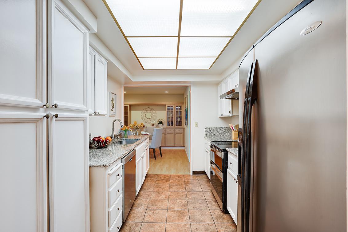 Kitchen (D) - 4102 Thain Way