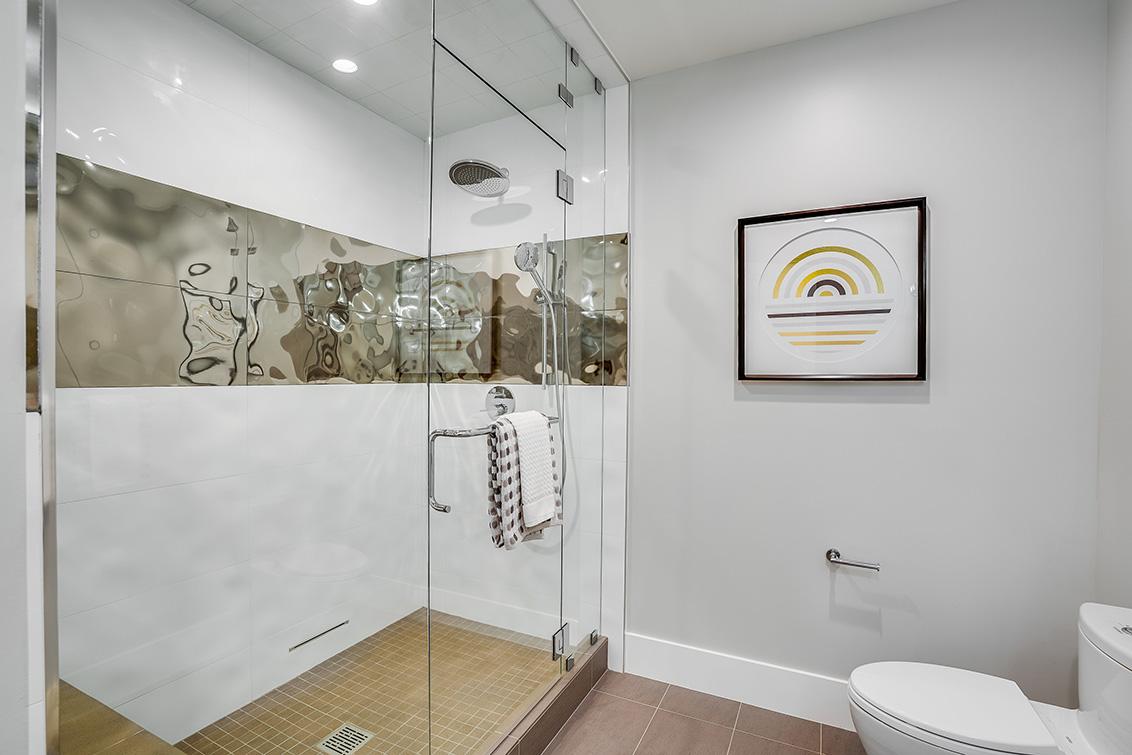 Downstairs Bath (B)