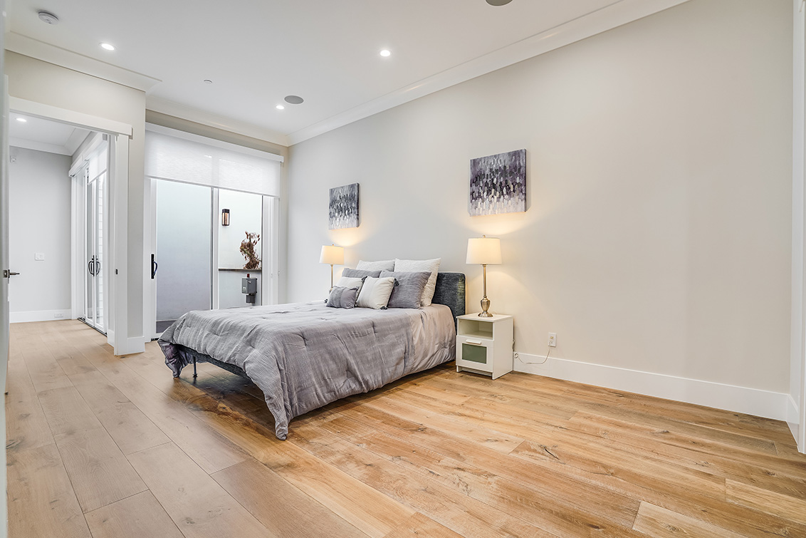Downstairs Bedroom (D)